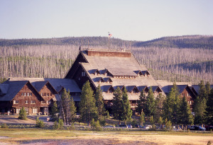 Old Faithful Inn outside